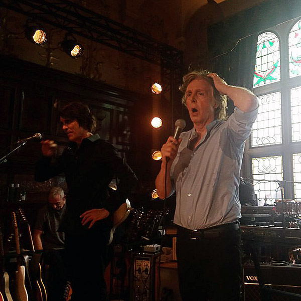Secret gig at the Philharmonic Dining Rooms (concert) - The
