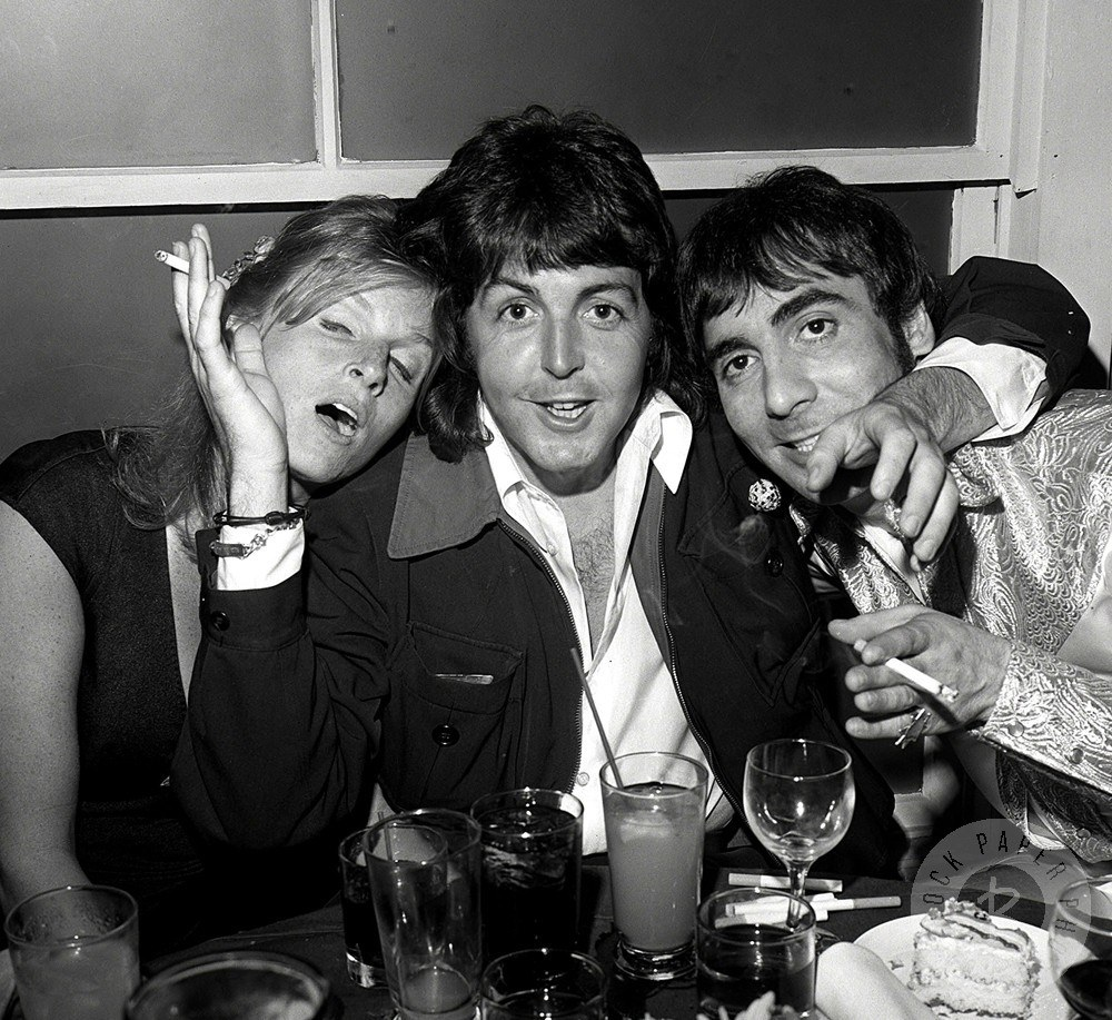 Paul, Linda and Keith have a drink and a laugh, 1976 -  From http://oobujoobu.tumblr.com/