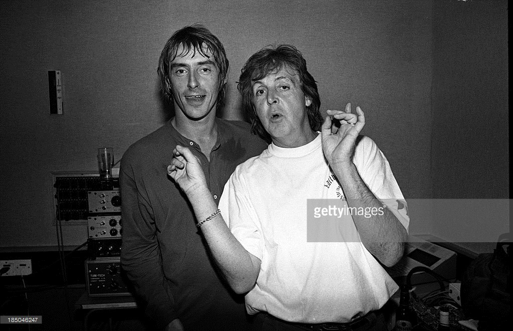 Paul Weller and Paul McCartney at Abbey Road studio during the making of the 'The Help Album', recorded for the charity War Child, London, United Kingdom, 1995.