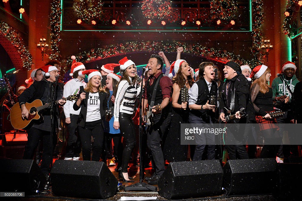 "SATURDAY NIGHT LIVE -- ""Tina Fey and Amy Poehler"" Episode 1692 -- Pictured: Musical guest Bruce Springsteen performs with Amy Poehler, Tina Fey, Maya Rudolph, and Paul McCartney on December 19, 2015 -- (Photo by: Dana Edelson/NBC/NBCU Photo Bank)"