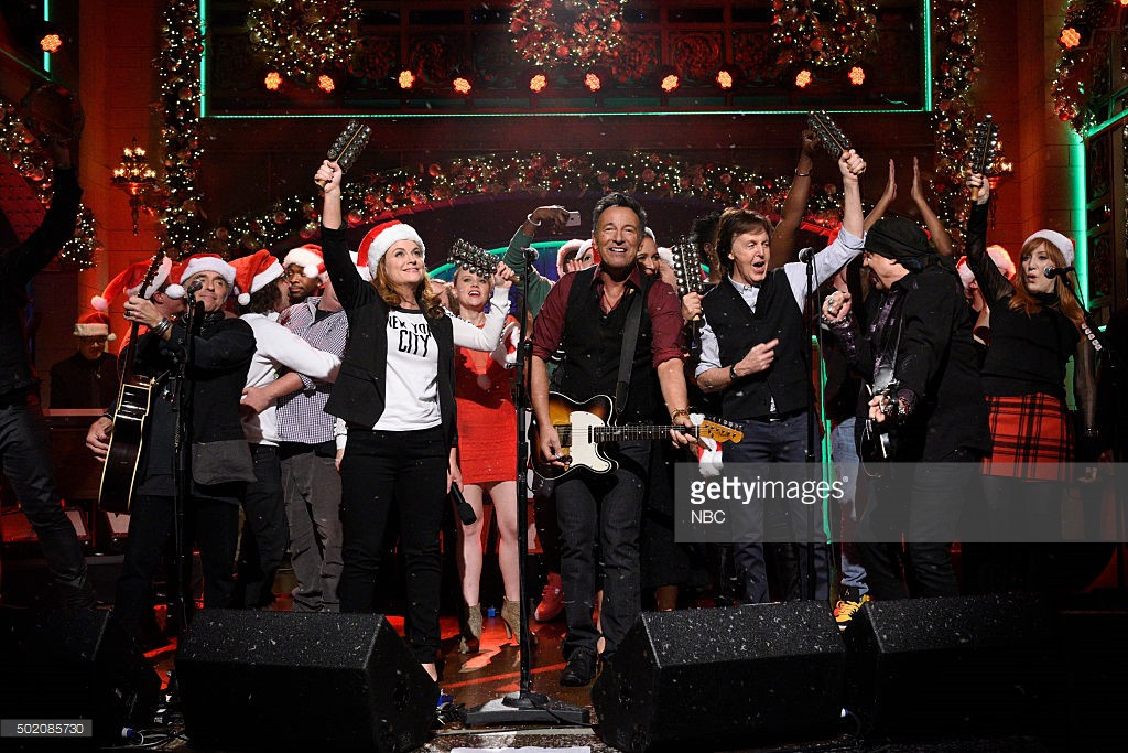 "SATURDAY NIGHT LIVE -- ""Tina Fey and Amy Poehler"" Episode 1692 -- Pictured: Musical guest Bruce Springsteen performs with Amy Poehler and Paul McCartney on December 19, 2015 -- (Photo by: Dana Edelson/NBC/NBCU Photo Bank)"